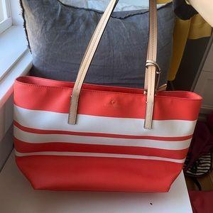 Very cute Kate spade shoulder bag